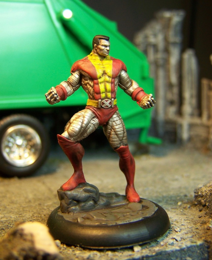 marvel-universe-miniature-colossus-01